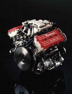 maserati-2.24v-biturbo-moteur-2