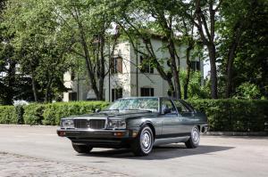 16362-MaseratiQuattroporte3rdgenerationRoyale-1986