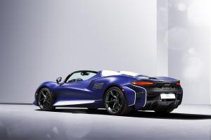 13200-TheUltimateopen-toproadsterexperiencewindscreenversionofultra-exclusiveMcLarenElvaentersproduction