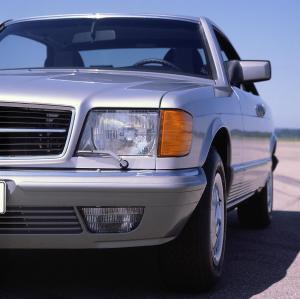 mercedes-benz-380-sec-w126-15