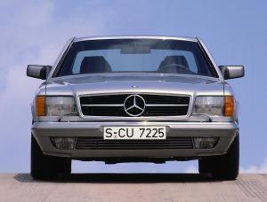 mercedes-benz-380-sec-w126-4