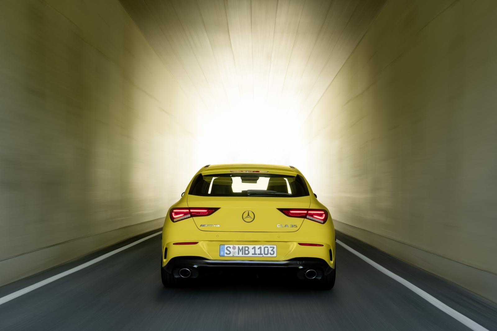 mercedes-benz-CLA-35-AMG-4matic-shooting-brake-x118-2