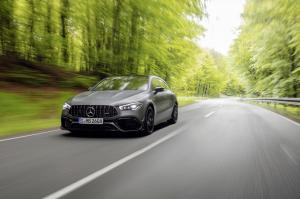 mercedes-benz-cla-45-amg-shooting-break-x118-2