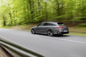 mercedes-benz-cla-45-amg-shooting-break-x118-4