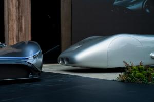 mercedes-benz-vision-EQ-silver-arrow-16
