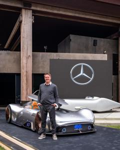mercedes-benz-vision-EQ-silver-arrow-5