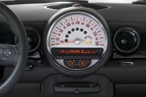 mini-cooper-cabriolet-2011-10