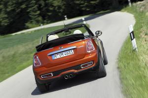 mini-cooper-cabriolet-2011-6