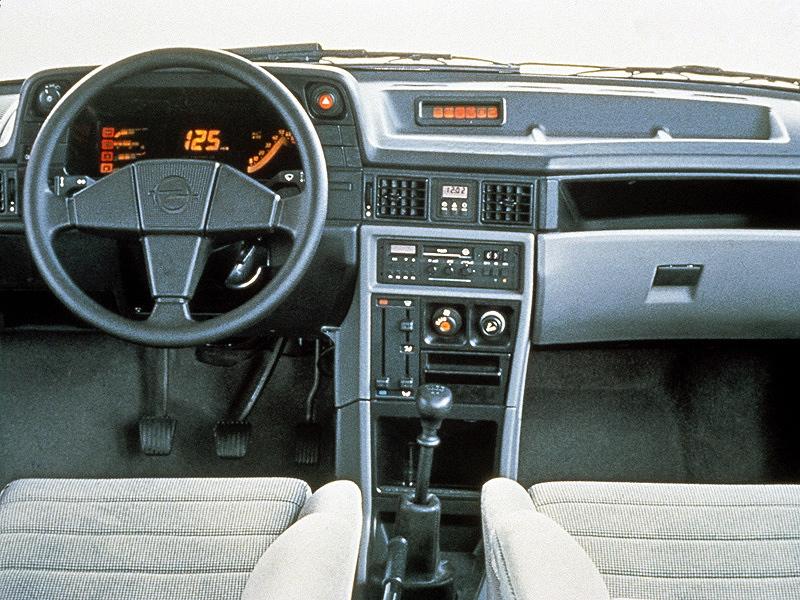 Opel kadett gsi e for Opel kadett e interieur