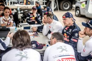 team-peugeot-sport-paris-dakar-2018-10