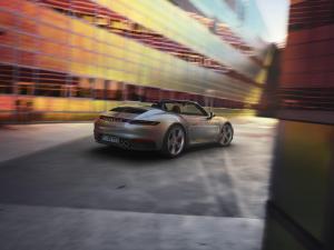porsche-911-cabriolet-992-1