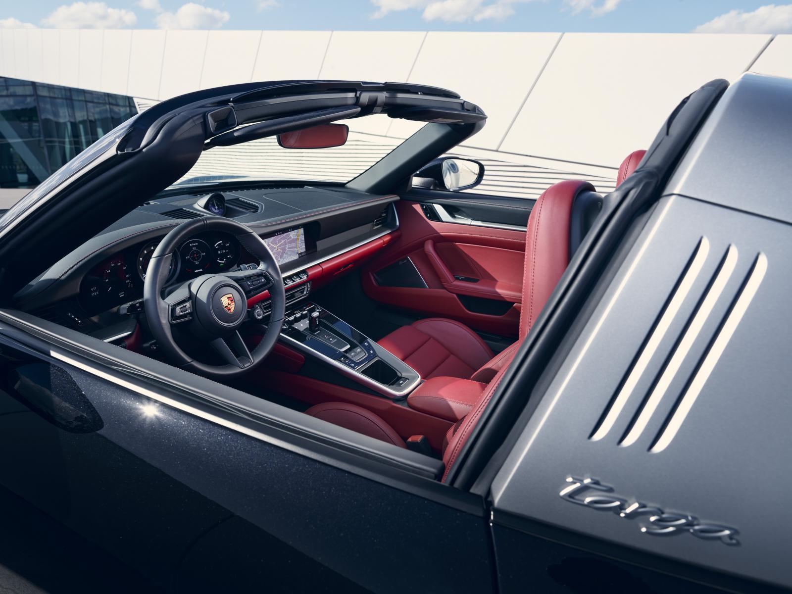 porsche 911 Targa 4S 992-6