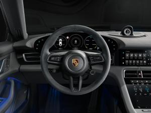 05 Interior of the Porsche Taycan 4S