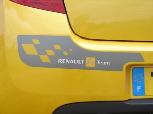 renault-clio-3-rs-f1-team-r27-102