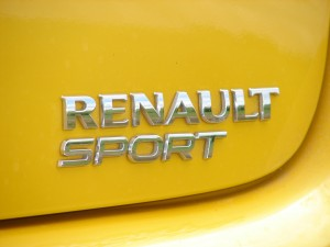 renault-clio-3-rs-f1-team-r27-103