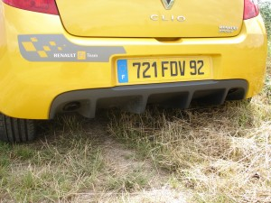 renault-clio-3-rs-f1-team-r27-105