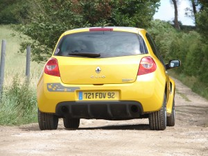renault-clio-3-rs-f1-team-r27-107