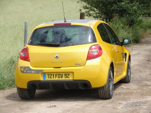 renault-clio-3-rs-f1-team-r27-111