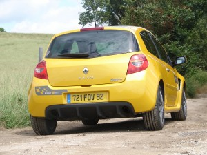 renault-clio-3-rs-f1-team-r27-112