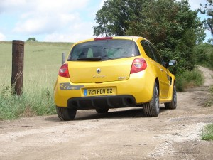 renault-clio-3-rs-f1-team-r27-113