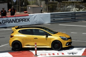 renault-clio-4-rs-16-23