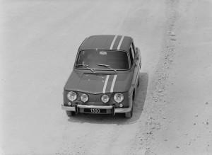 renault-8-gordini-1300-r1135-12