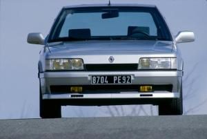 renault-21-2-litres-turbo-12