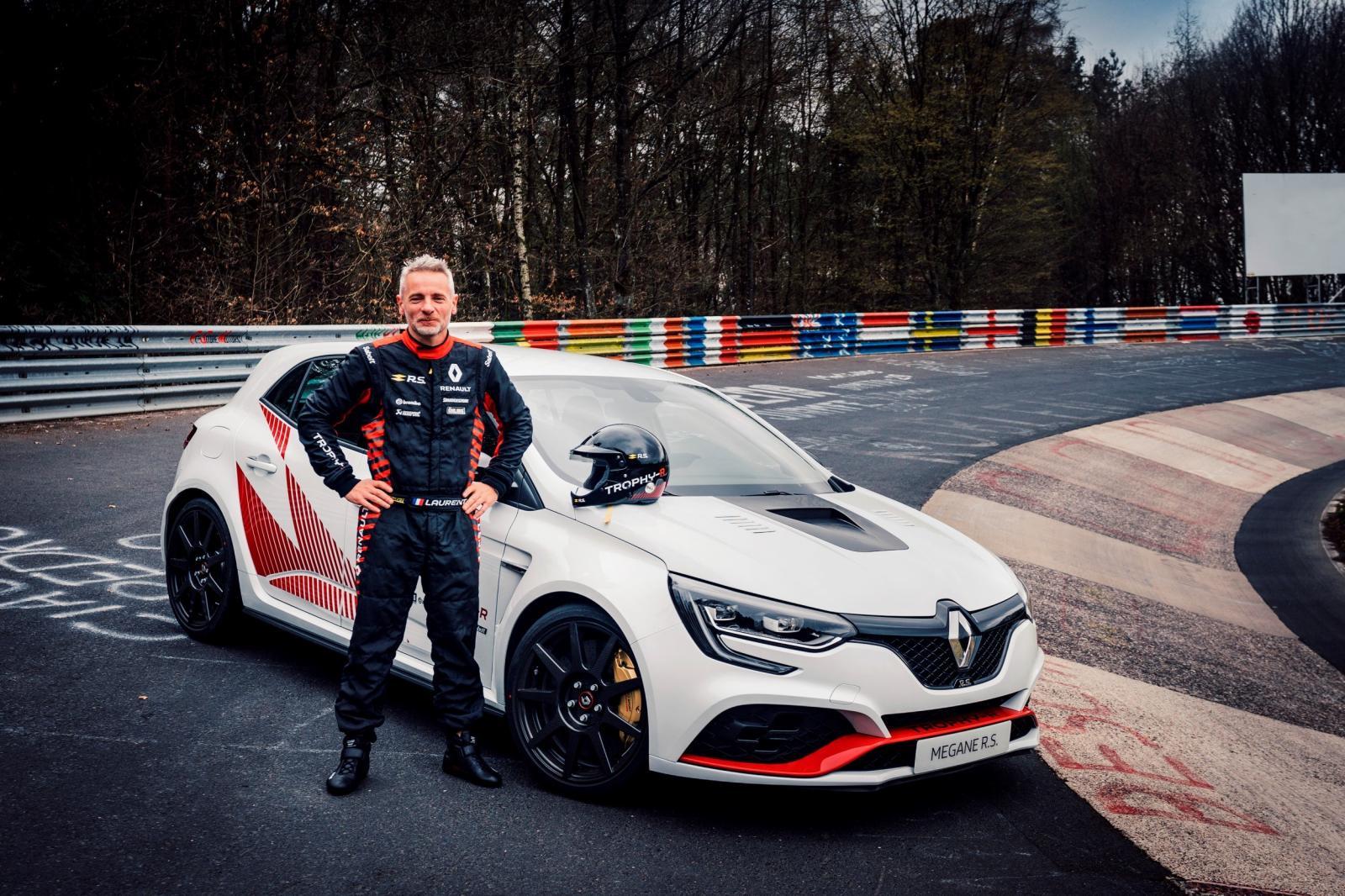 renault-megane-4-rs-trophy-r-nurburgring-2019-1