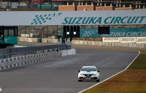 renault-mega-4-rs-trophy-r-record-circuit-suzuka-2019-3