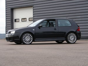 volkswagen-golf-4-r32-63