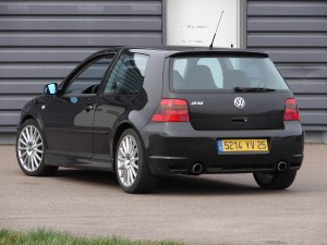 volkswagen-golf-4-r32-64