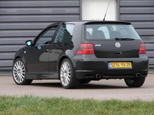 volkswagen-golf-4-r32-65