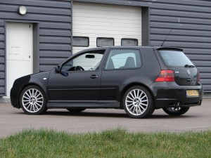 volkswagen-golf-4-r32-69