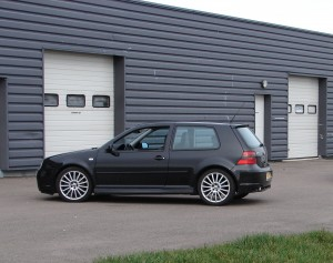 volkswagen-golf-4-r32-72