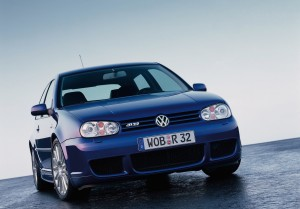 volkswagen-golf-4-r32-76