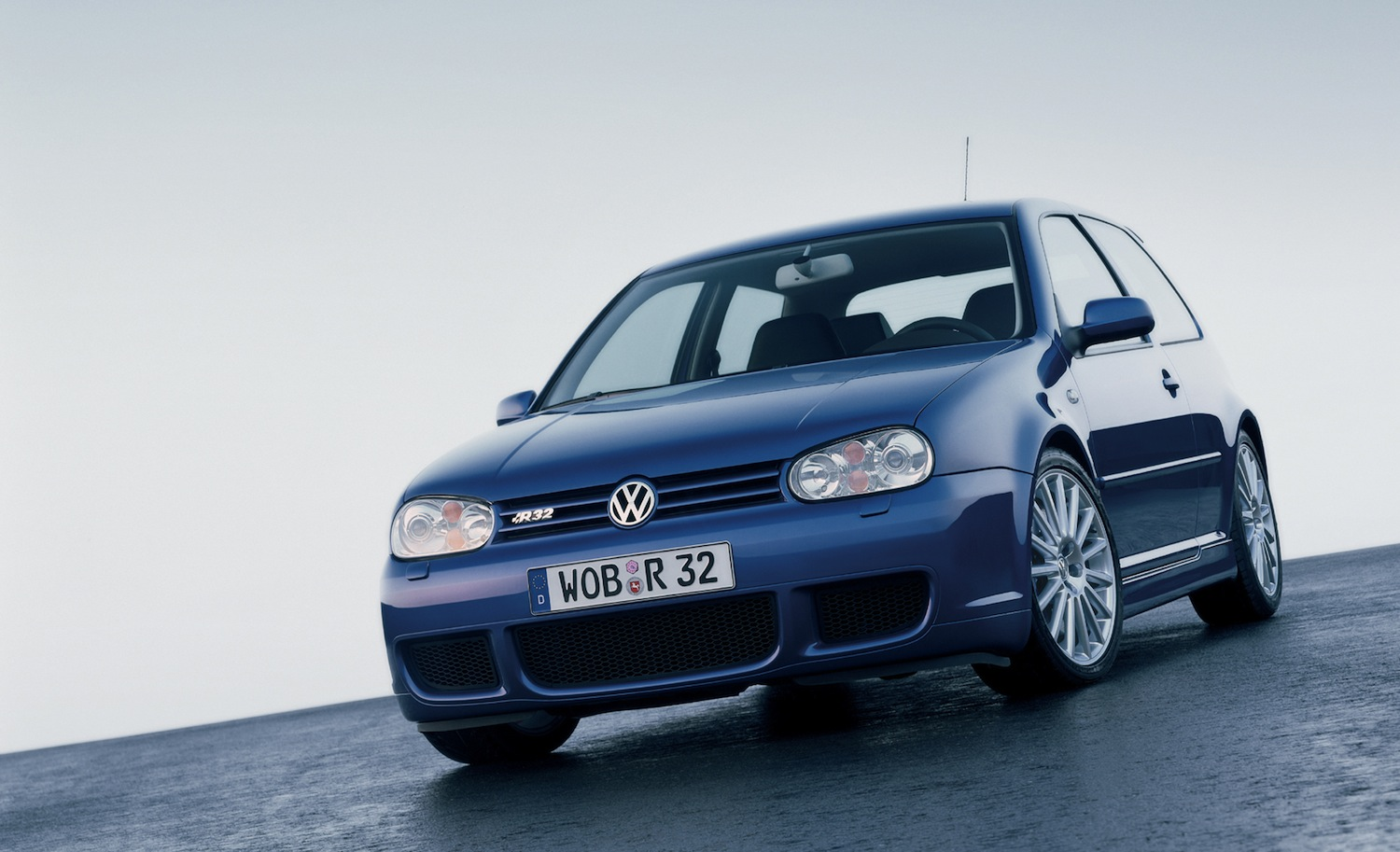 volkswagen-golf-4-r32-81