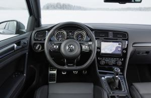 volkswagen-golf7-r-10