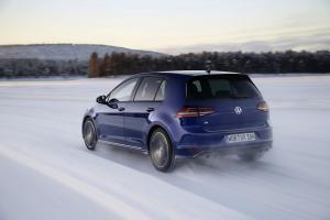 volkswagen-golf7-r-2