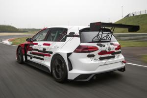 volkswagen-golf-7-gti-tcr-concept-2