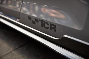 volkswagen-golf-7-gti-tcr-concept-7