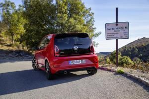 volkswagen-up!-gti-28