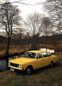 5890 Volvo 144