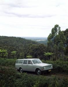 5903 Volvo 145