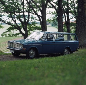 5907 Volvo 145