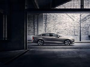 230754 New Volvo S60 Inscription exterior