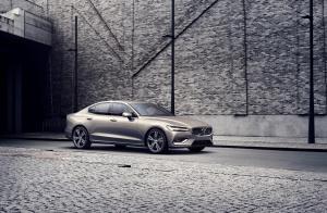230755 New Volvo S60 Inscription exterior